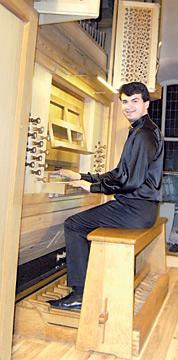 Paolo Oreni an der Orgel