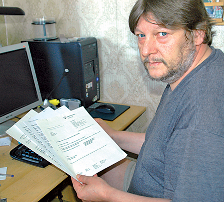 Torsten Meier musste fast zweieinhalb Monate aufs Kindergeld warten. Den Grund erfuhr er nicht, denn die Familienkasse ist nur noch über ein Call-Center zu erreichen.