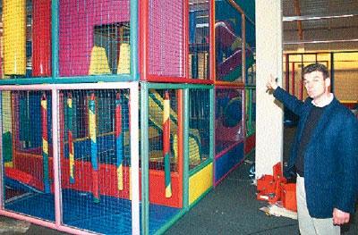 Frank Otto vor einer der Hauptattraktionen: dem Spielpark über drei Etagen