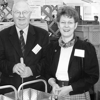 Nach über 40 Jahren geht der Geschäftsführer der RWG Leese, Bernd Ronnenberg, in Ruhestand. Nachfolgerin ist seine Tochter Britta Ronnenberg.Foto: privat