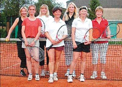 Zur Mannschaft gehören (hinten von links) Katrin Nürge, Marion Kallendorf, Elke Haude-Schröder, Karin Wrede-Twachtmann sowie (vorn v.l.) Silke Pickel, Gabi Sosnitza und Kerstin Baciulis-Marhold.