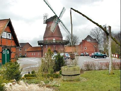 Der Mühlenplatz in Landesbergen – Standort für den Europa-Brunnen? Fotos: Hildebrandt