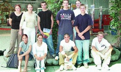 Drei lehrreiche Jahre haben sie vor sich: Gestern hatten die neuen Lehrlinge im Unternehmen Heineking ihren ersten Arbeitstag.Foto: Karg