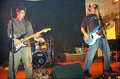 """Die Nienburger Band """"Average"""" stellte die Titel der neuen CD """"Rage Avenue"""" live vor"""