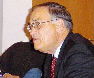 Horst Hirschler sprach über Bonhoeffer.Foto: Dreyer
