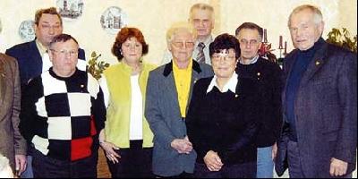 Der neue Vorstand und geehrte Mitglieder des Sozialsverbands Landesbergen.Foto: privat