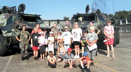 Leeser Ferienpasskinder besuchten die Bundeswehr 07.08.08