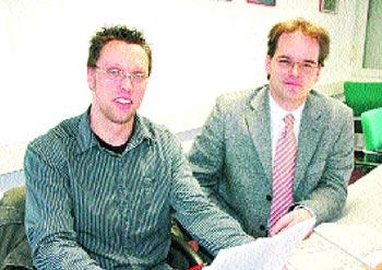 Andreas Kneist und Bürgermeister Grant Hendrik Tonne